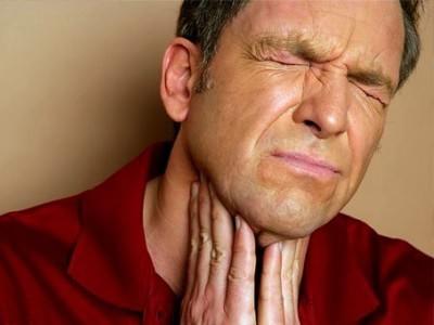 Боли в горле при тонзиллите