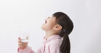 полоскание горла ребёнком