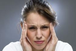 Сильная головная боль - симптом пневмонии
