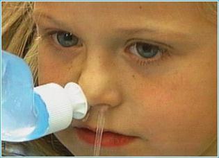 можно промывать нос ребенку физраствором