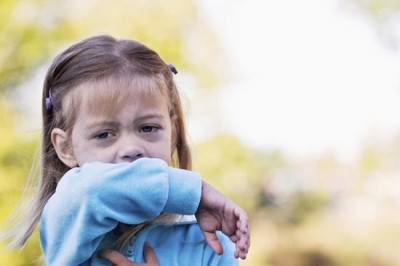 ночной влажный кашель у ребенка