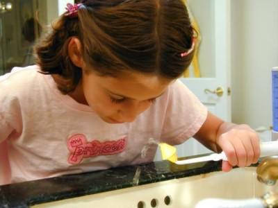 как промыть нос грудному ребенку физраствором