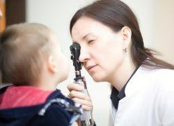 гноятся глаза у ребенка чем лечить дома