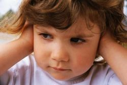 Как правильно греть ухо синей лампой при отите
