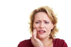Отек щеки - осложнение после прокола