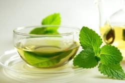 Польза теплого чая при тонзиллите