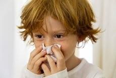 Как лечить ребенка с простудой?