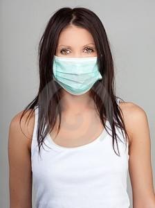 При простуде мама должна носить маску