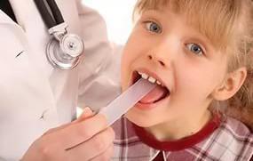 болит горло у ребёнка