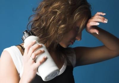физические упражнения во время болезни способствуют разрушению мышц