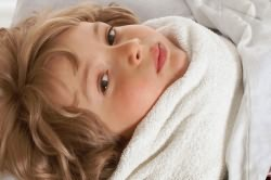 Накладывание компресса на горло при кашле