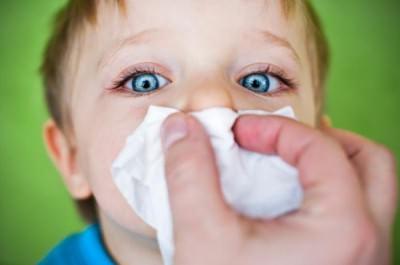 Чем лечить насморк у детей 2 лет