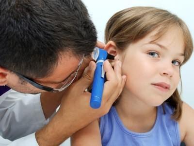 Острый отит основные симптомы у детей