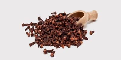 Настой гвоздики для лечения тонзиллита народными средствами