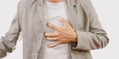 Боль в районе груди у мужчины