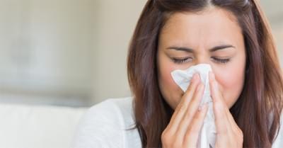 У девушки проявились признаки простуды