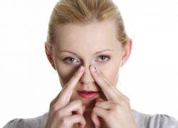 Массаж от насморка является эффективным средством борьбы с недугом, вызванным простудными заболеваниями