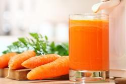 Польза морковного сока при лечении насморка у грудничка