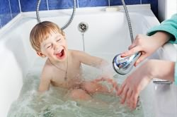 Закаливание ребенка для профилактики насморка