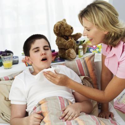 Как быстро вылечить ребенку горло и кашель thumbnail